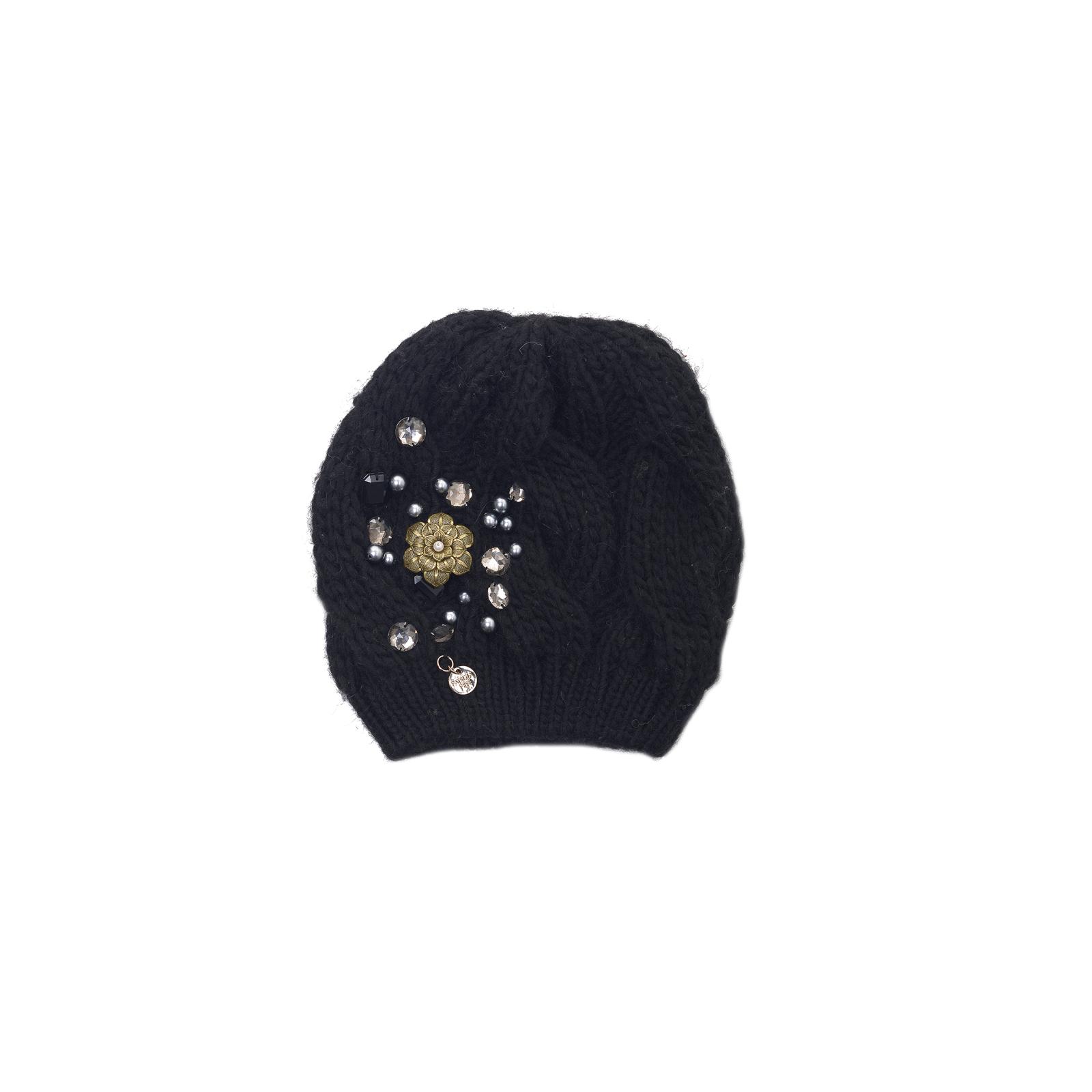Czarna wełniana czapka