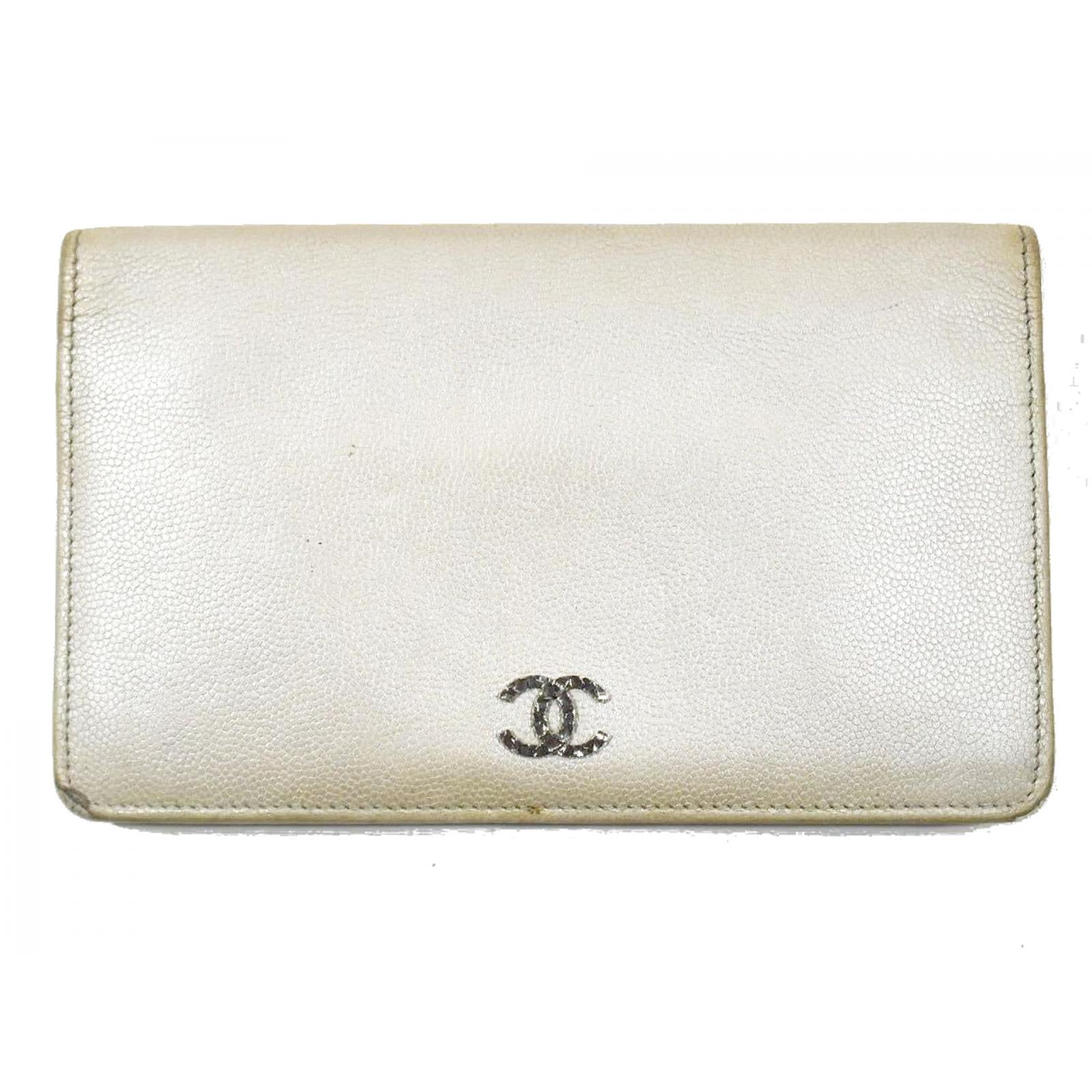 Srebrny szampan Chanel portfel