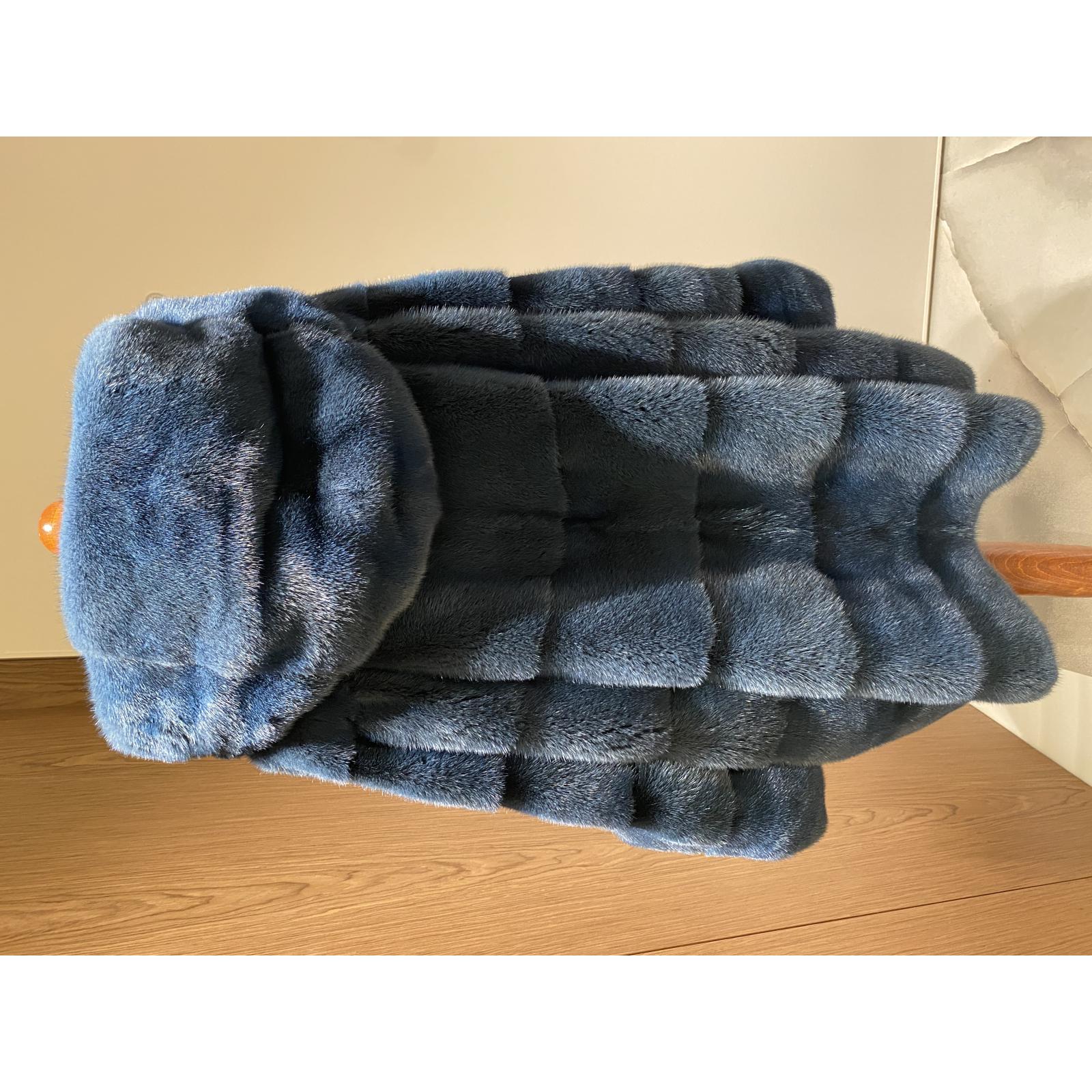 Plaszcz futro z norek niebieskie
