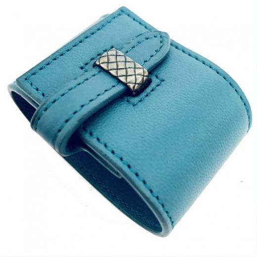 BOTTEGA VENETA – niebieska skórzana bransoleta