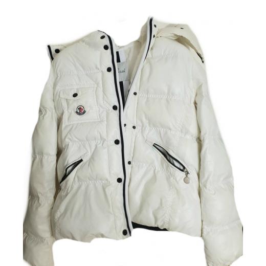 Biała kurtka zimowa Moncler