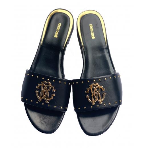 Czarne płaskie sandałki