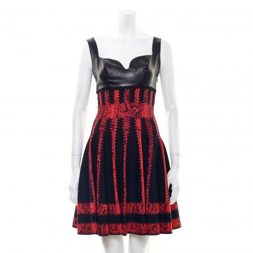 Sukienka czarno czerwona
