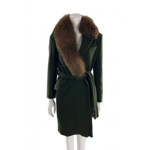 Płaszcz z kołnierzem z lisa