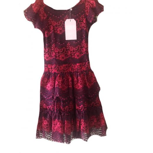 Koronkowa sukienka Bizuu