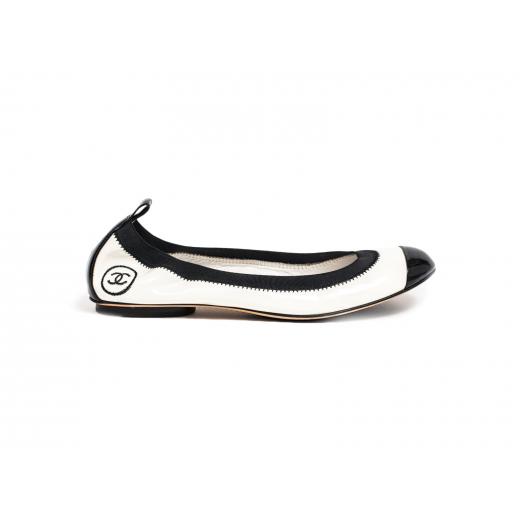 Chanel baleriny kość słoniowa z czarną gumką