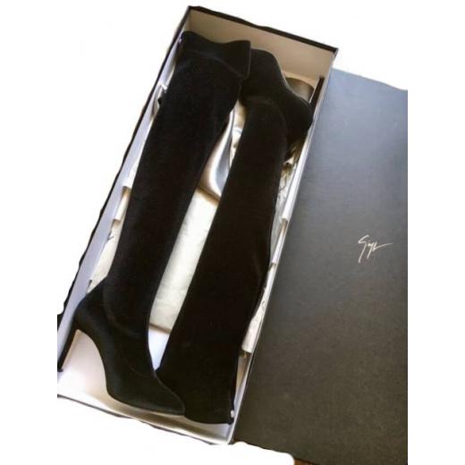Buty za kolano muszkieterki szpilki Giuseppe Zanotti