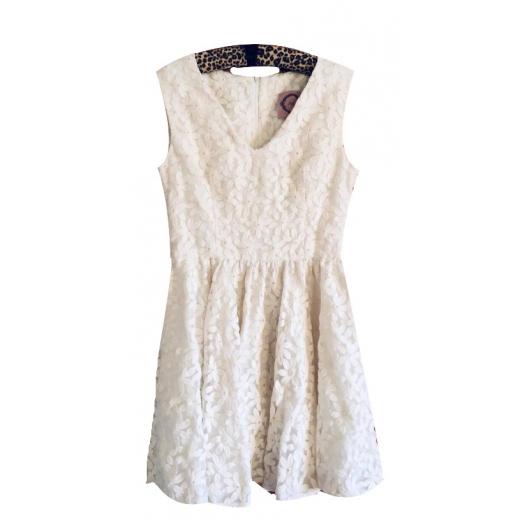 Przepiękna haftowana sukienka Bizuu