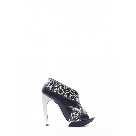 Sandałki z biało czarnym wzorem
