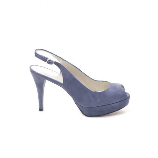 Błękitne buty na obcasie