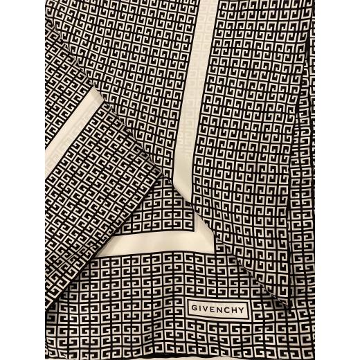 Chusta Givenchy
