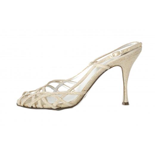 Dolce & Gabbana sandals.