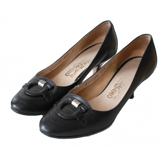Salvatore Ferragamo Black Elegant Pumps